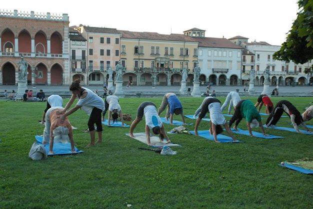 yoga prato della valle mappamundi