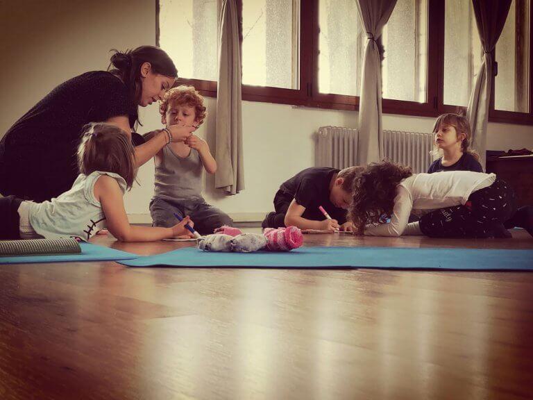 MappaMUndi YOga INsegnanti Yoga Bimbi Musica