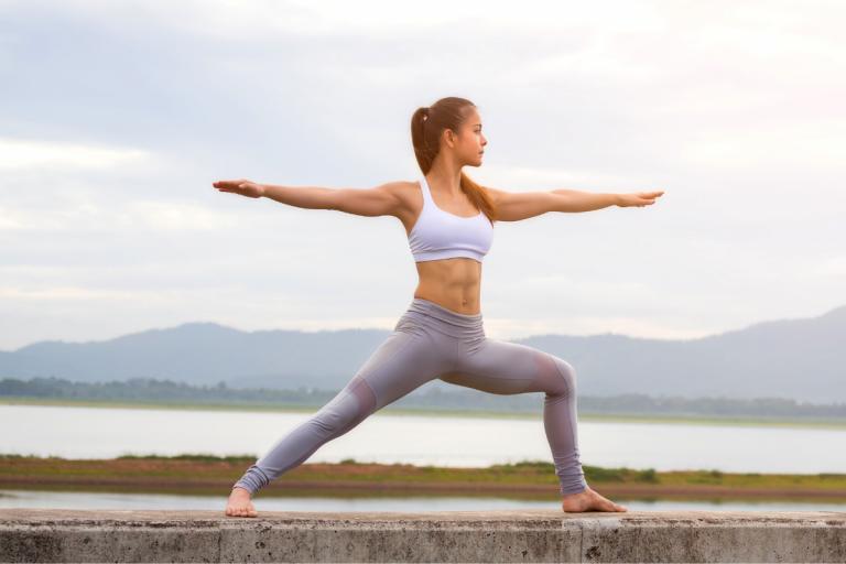 I dipendenti Decathlon praticano MappaMundi Yoga